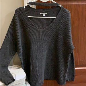 American Eagle V neck Choker sweater